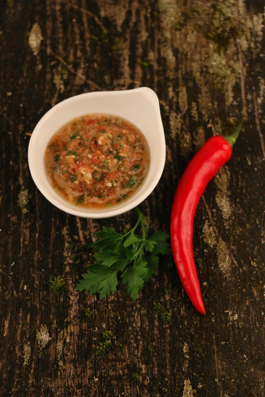 Garlic sauce/ marinade/ relish. In other words – Česnakinė!