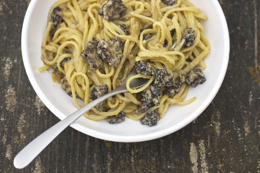 Linguine with false morel and tahini sauce